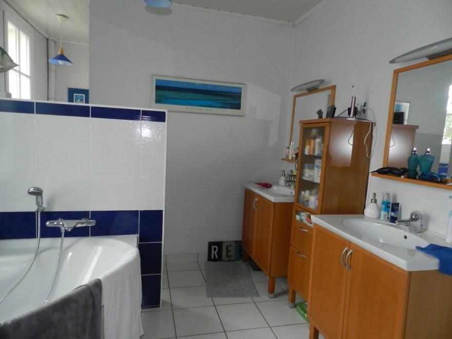 biens vendus maison r f 2596. Black Bedroom Furniture Sets. Home Design Ideas