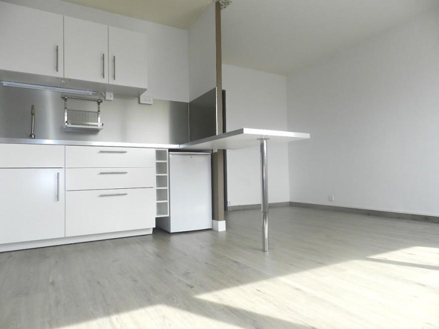 1 28m. Black Bedroom Furniture Sets. Home Design Ideas